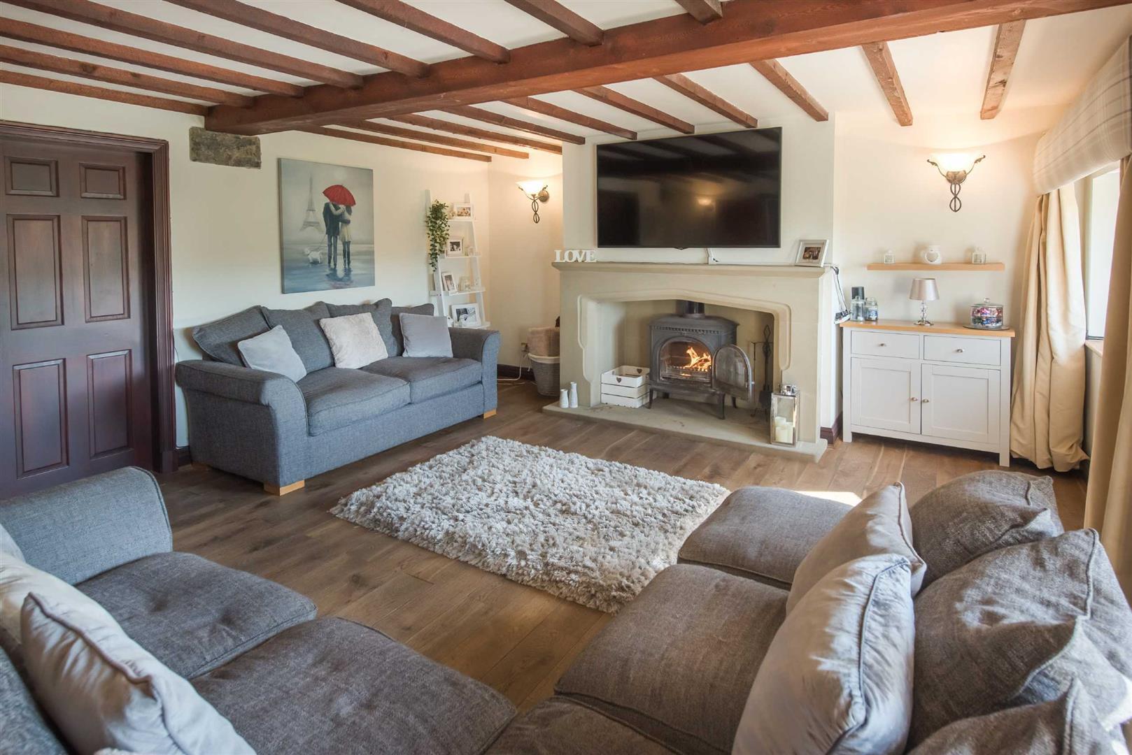 5 Bedroom Link Detached House For Sale - Image 4